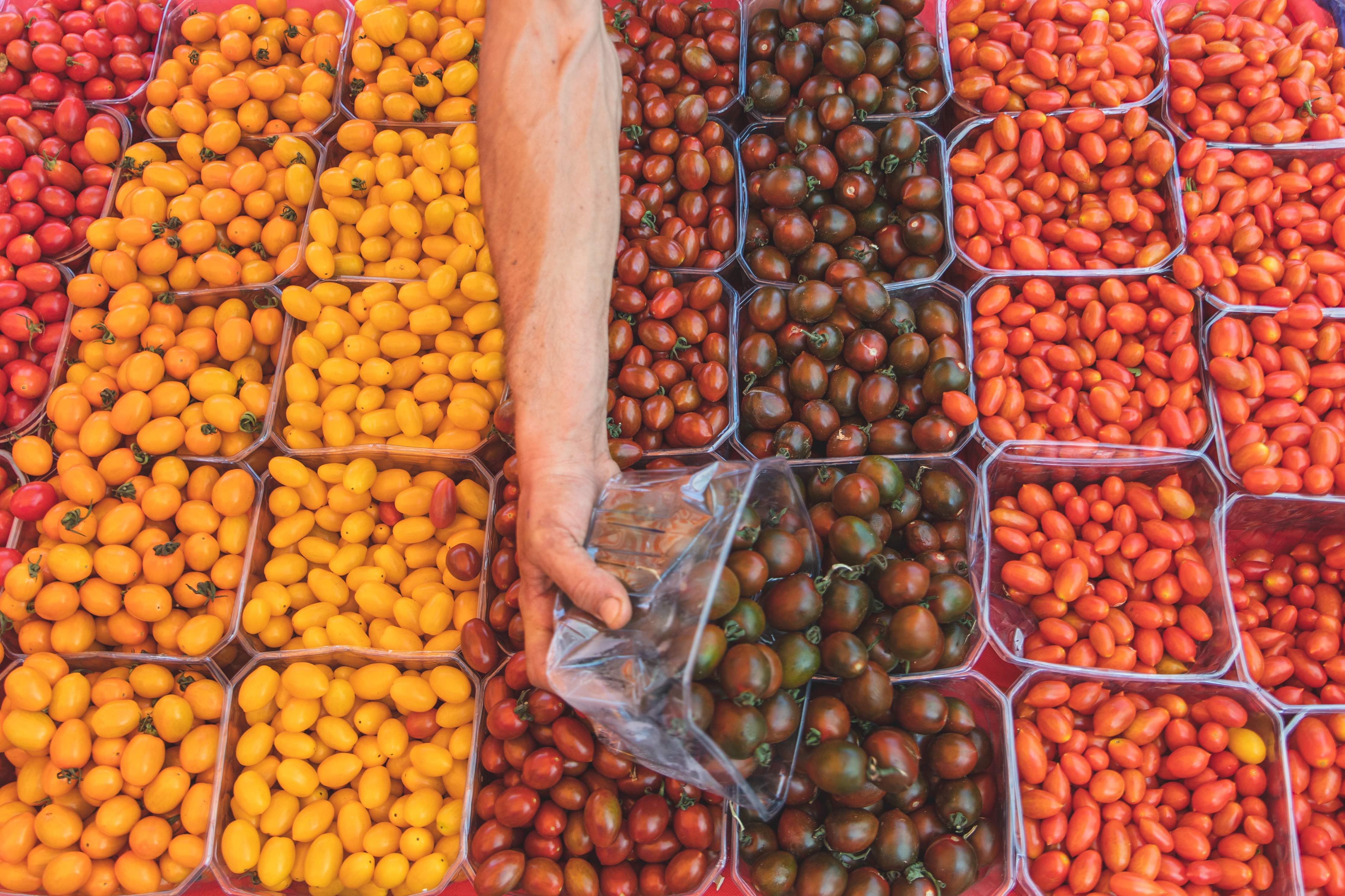 תוצרת ישראלית היישר מהשדה, צילום: באדיבות שוק האיכרים